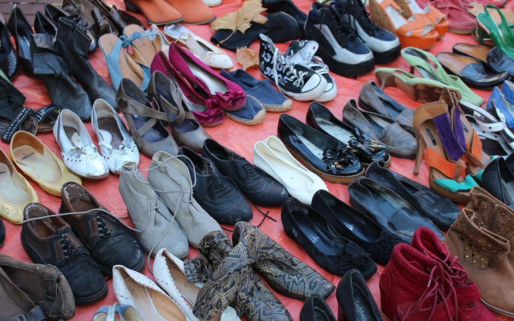 schoenen op de rommelmarkt