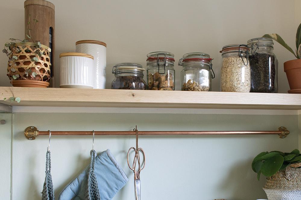 ophangsysteem keuken voorraadpotten overzicht